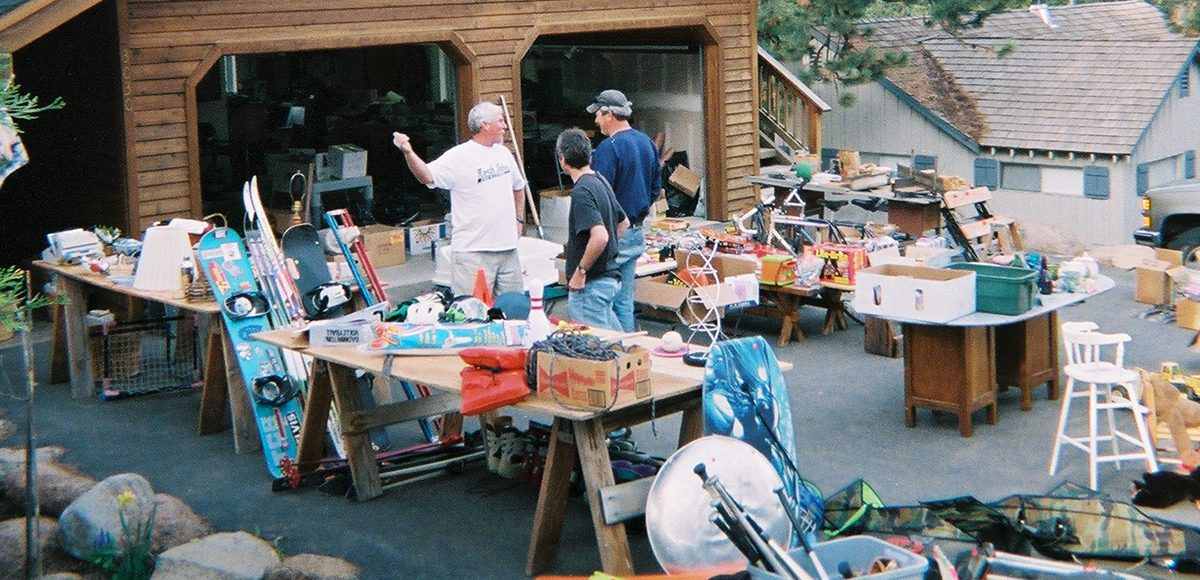 29 Items Veteran Preppers Get From Garage Sales